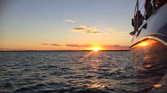 Hervey Bay Sunset Cruise with Open Bar