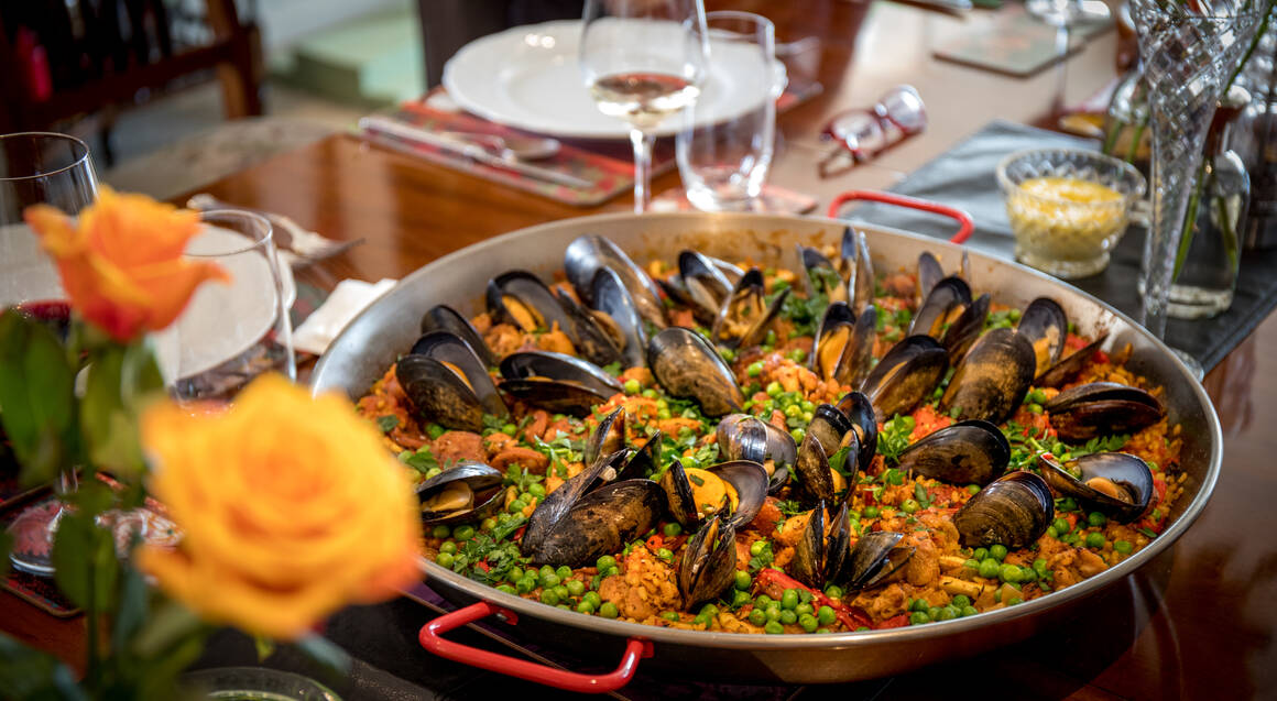 Spanish Paella Cooking Class with Wine