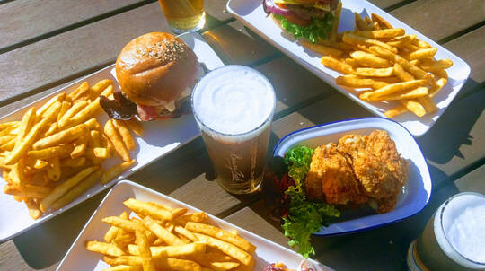 Carlton Brewery Tour with Beer Tasting and Lunch - Sundays