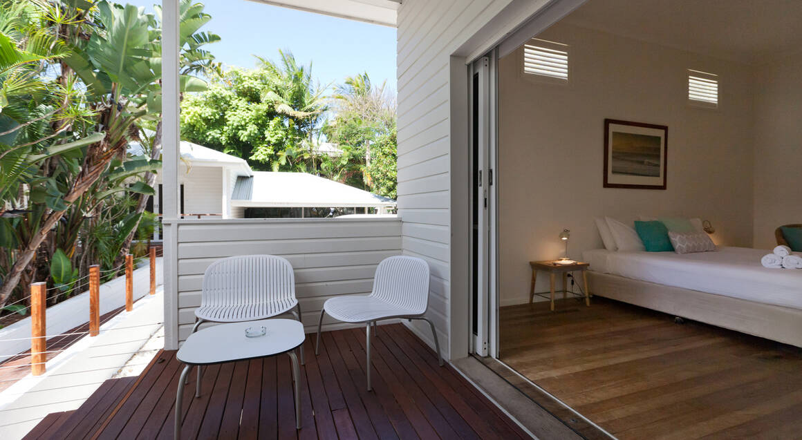 Byron Cove Beach House one bedroom apartment with outdoor balcony