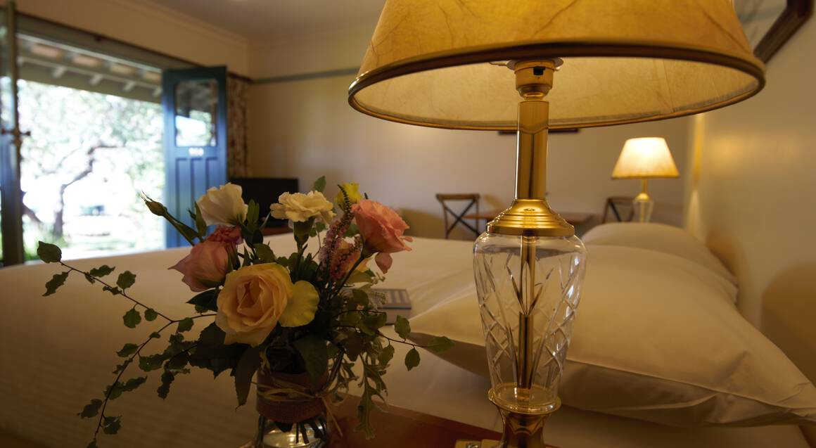 Country Getaway with Sparkling Wine and Dinner - For 2