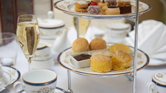 Traditional Afternoon Tea with Sparkling Wine - For 2