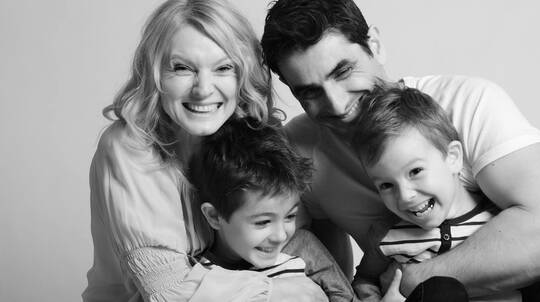 60 Minute Family Photography Session with Images on USB