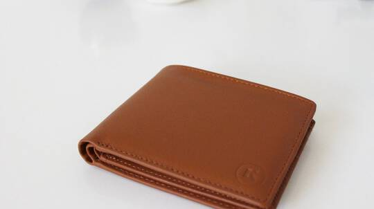 Men's Leather Wallet with Removable Sleeve
