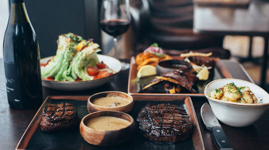 3 Course Dinner with Wine and Vivid Sydney Cocktails-For 2