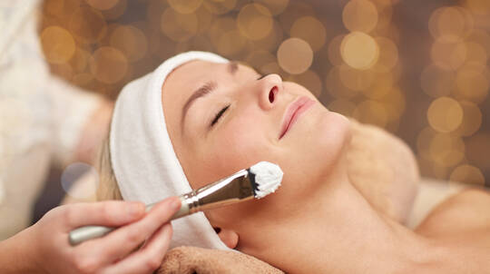 Relaxing Facial and Eye Treatment - 60 Minutes