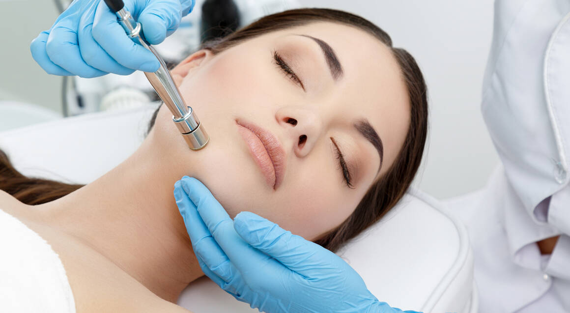 Microdermabrasion, LED Light Therapy and Hydration Mask