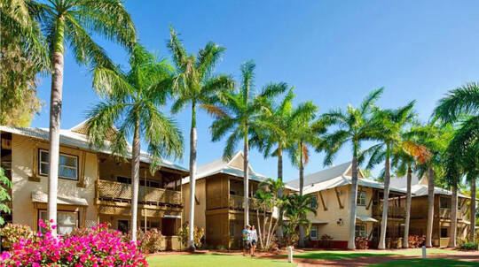 Romantic Cable Beach Getaway with Wine - 2 Nights