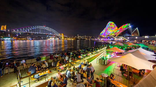 Luxury Cruise During Vivid Sydney with Drink and Snacks