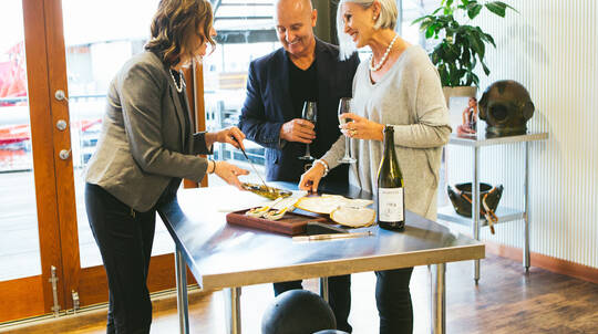 Harvest Your Own Pearl Experience with Sparkling Wine