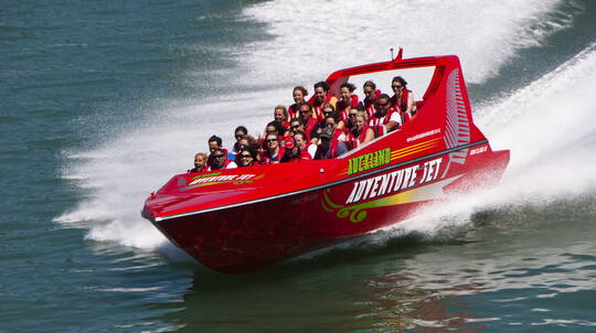 Jet Boat Adventure on Auckland Harbour - 35 Minutes