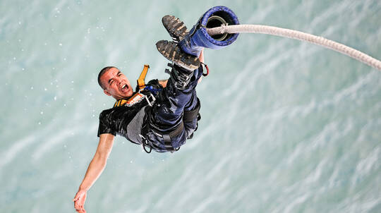 Bungy Jump Off The Auckland Harbour Bridge with T-Shirt