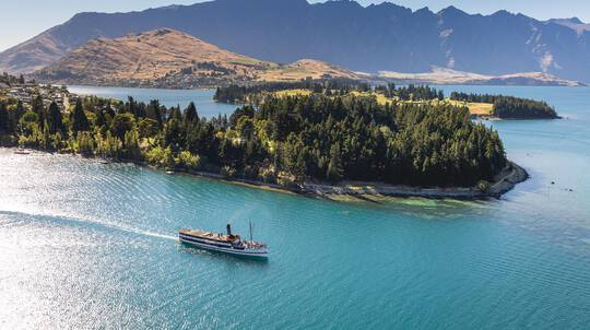 Wine Tour and Lake Wakatipu Cruise on the TSS Earnslaw
