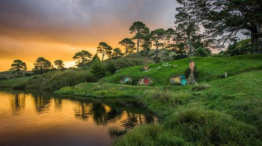 Waitomo Glowworm Caves, Rotorua and Hobbiton Movie Set Tour
