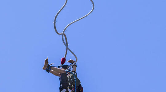 Tandem Bungy Jump in Taupo
