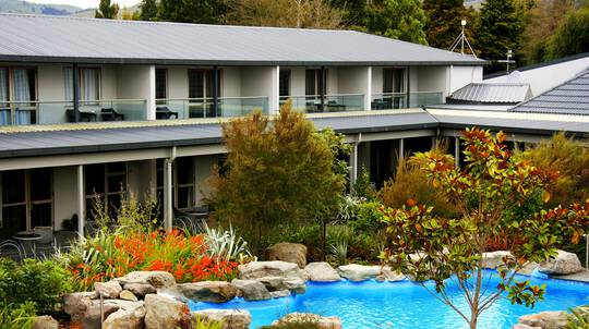 Overnight Rotorua Getaway with Dinner and Massages